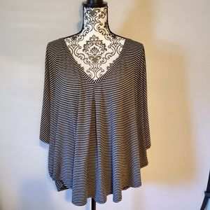 Pure Energy grey and black butterfly sleeve top